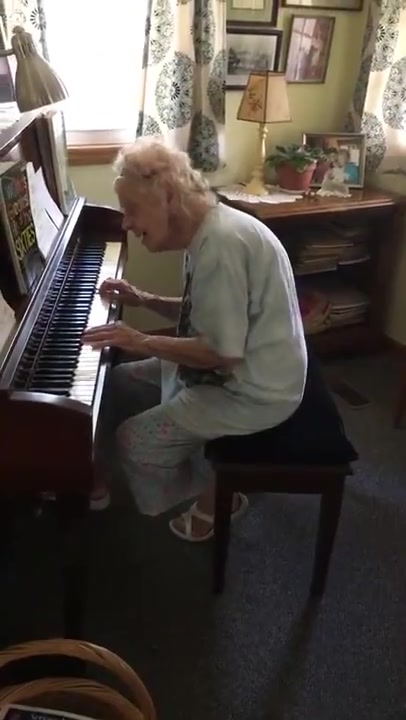 Watch 104 Years Old Music Teacher Playing Beethoven - Fur Elise